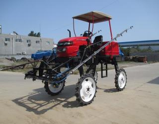 3WPZ-700 self propelled boom sprayer